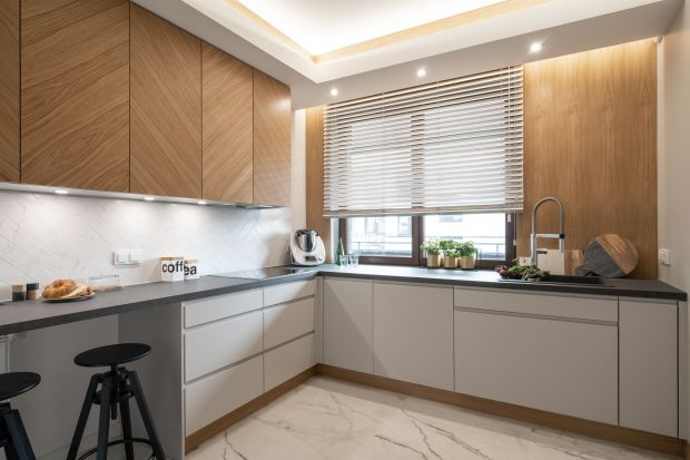Szukasz pomysłu na wykończenie ściany nad blatem w kuchni? Zastanawiasz się jaki materiał wybrać? Jaki wzór będzie najlepszy? Jaki kolor się sprawdzi? Zobacz nasze pomysłyna wykończenie ściany nad blatem. Są świetne.