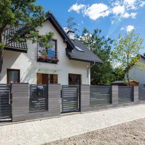Podstawowe elementy, które muszą znaleźć się w strefie wejściowej to podjazd i chodnik prowadzący do drzwi domu. Fot. Polbruk