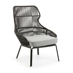 Rattanowy fotel Rizz o metalowej konstrukcji. Cena: 2.221 zł, La Forma/Lepukka. Fot. La Forma/Lepukka