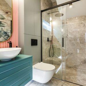 Łazienka dla rodziny z prysznicem. Realizacja: Nobonobo. Fot. Tomasz Miotk Fotografia