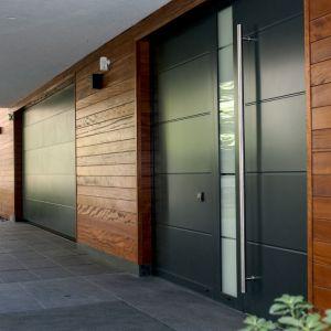 Bardzo niska przenikliwość cieplna drewna okoume zapewnia budynkom doskonałą izolację termiczną. Fot. JAF Polska