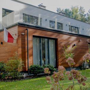 Drewno okoume ma kluczowe znaczenie w przypadku zastosowania na dużych powierzchniach. Fot. JAF Polska