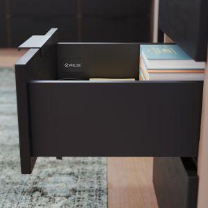 Czarne Slim Box z powodzeniem wpiszą się również w aranżacje pokoi nastolatków i całkiem dorosłych sypialni ich rodziców. Fot. Rejs