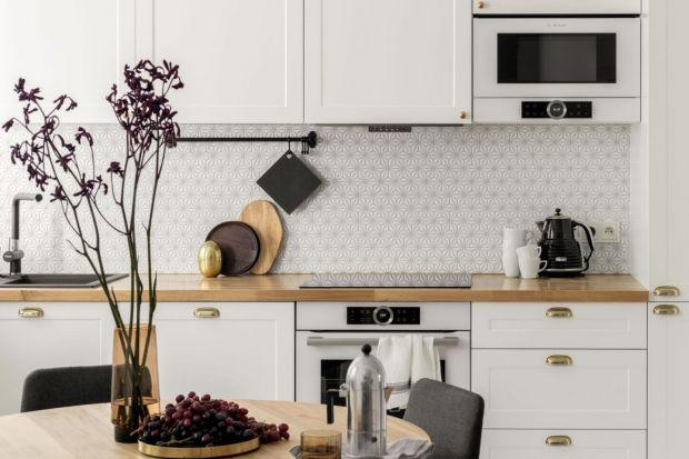 Jakie meble i kolor w kuchni jest teraz na topie? Przyjrzeliśmy się ostatnim projektom kuchni pokazywanych w naszym portalu i już wiemy! Zobaczcie, jak teraz projektuje się modną kuchnię!