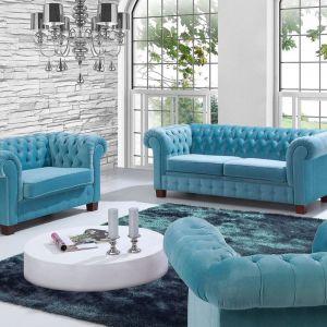 Model wyróżnia się gustownym wykończeniem oraz wyjątkowym designem przenoszących nas w klimaty retro. Cena: od 4482 zł. Feniks Furniture