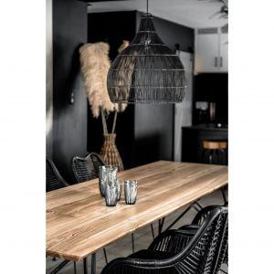 Lampa sufitowa Monnarita Bob ma klasyczny kształt i zapewnia delikatnie rozproszone oświetlenie. Cena: 790 zł. Fot. Monnarita