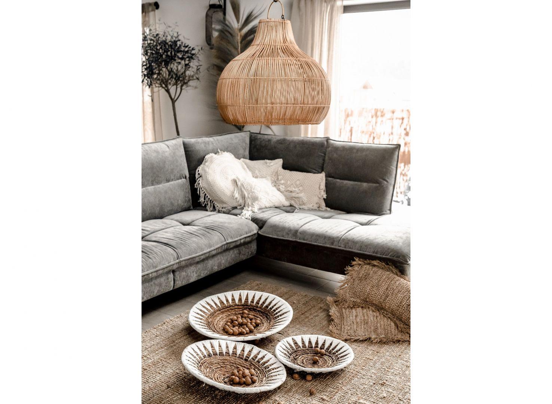 Duża lampa sufitowa Monnarita Bruno znakomicie pasować będzie do salonu, zawieszona nad kącikiem wypoczynkowym z sofą lub w jadalni nad stołem. Cena: 790 zł. Fot. Monnarita