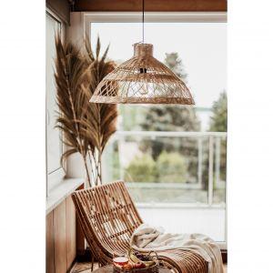 Lampa Monnarita Tess tworzy ciepłe, delikatne oświetlenie, które uprzyjemni relaks i odpoczynek w domowym zaciszu. Cena: 450 zł. Fot. Monnarita