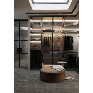 Garderoba przy sypialni. Projekt: MIKOŁAJSKAstudio