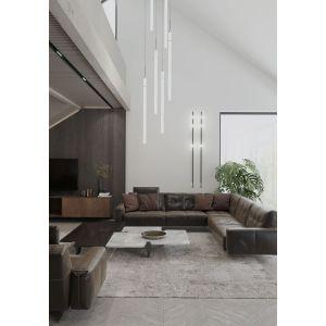 Wnętrza są wykończone drewnem, kamieniem i cegłą, zestawionymi z rozmaitymi tekstyliami. Projekt: MIKOŁAJSKAstudio