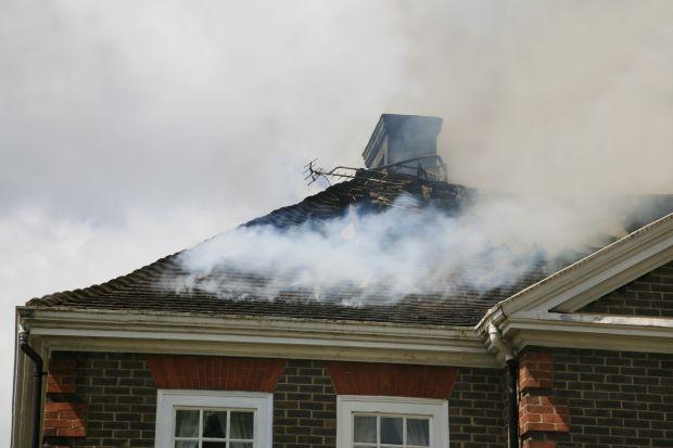 Jak zabezpieczyć dom przed pożarem? Poradnik