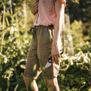 Sekator nożycowy X-series doskonale radzi sobie z usuwaniem pędów drzew owocowych, przycinaniem roślin wieloletnich oraz strzyżeniem krzewów. Cena: ok. 125 zł. Fot. Fiskars