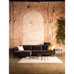 Sofy z kolekcji Leveza firmy Livingroom. Fot. Livingroom/Galeria Wnętrz Domar   g