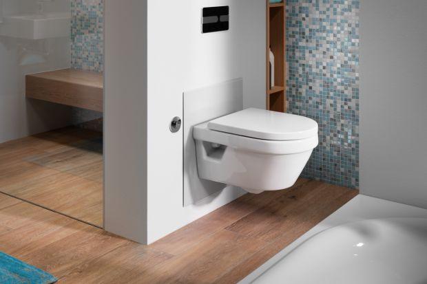 Czerń jest obecnie jednym z najpopularniejszych i najciekawszych trendów łazienkowych. Projektanci i klienci szczególnie chętnie stawiają na armaturę oraz akcesoria w tym kolorze.Zobacz ciekawe pomysły naczarne przyciski, odpływy liniowe czy