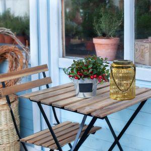Relaks w mieście - stwórz klimatyczny kącik na balkonie. Fot. Activejet