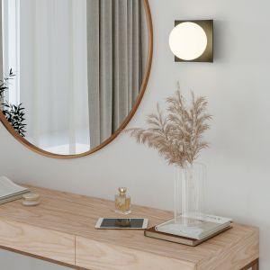 Sypialnia nie jest miejscem, w którym z pasją korzystamy z dekoracyjnych możliwości aranżacji. Fot. mat. prasowe AQForm