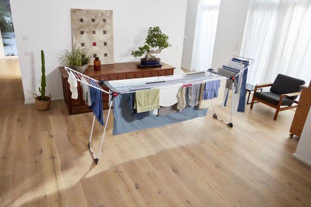 Rozsuwana suszarka sprawia, że suszenie prania, nawet bardzo dużych gabarytów, to żaden problem. I to zarówno, jeśli chodzi o ilość, jak i wielkość prania.