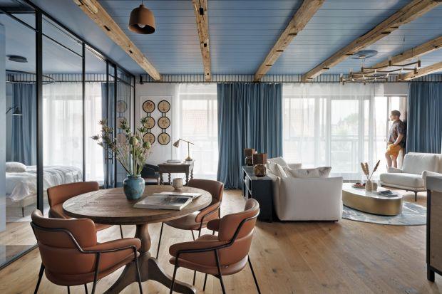 To wnętrze łączy klimat nadmorskiego kurortu z niezwykłą przeszłością Gdańska. Zobaczcie ciekawy projekt apartamentu na Wyspie Spichrzów spod kreski trójmiejskiego architekta i profesora ASP, Jana Sikory.