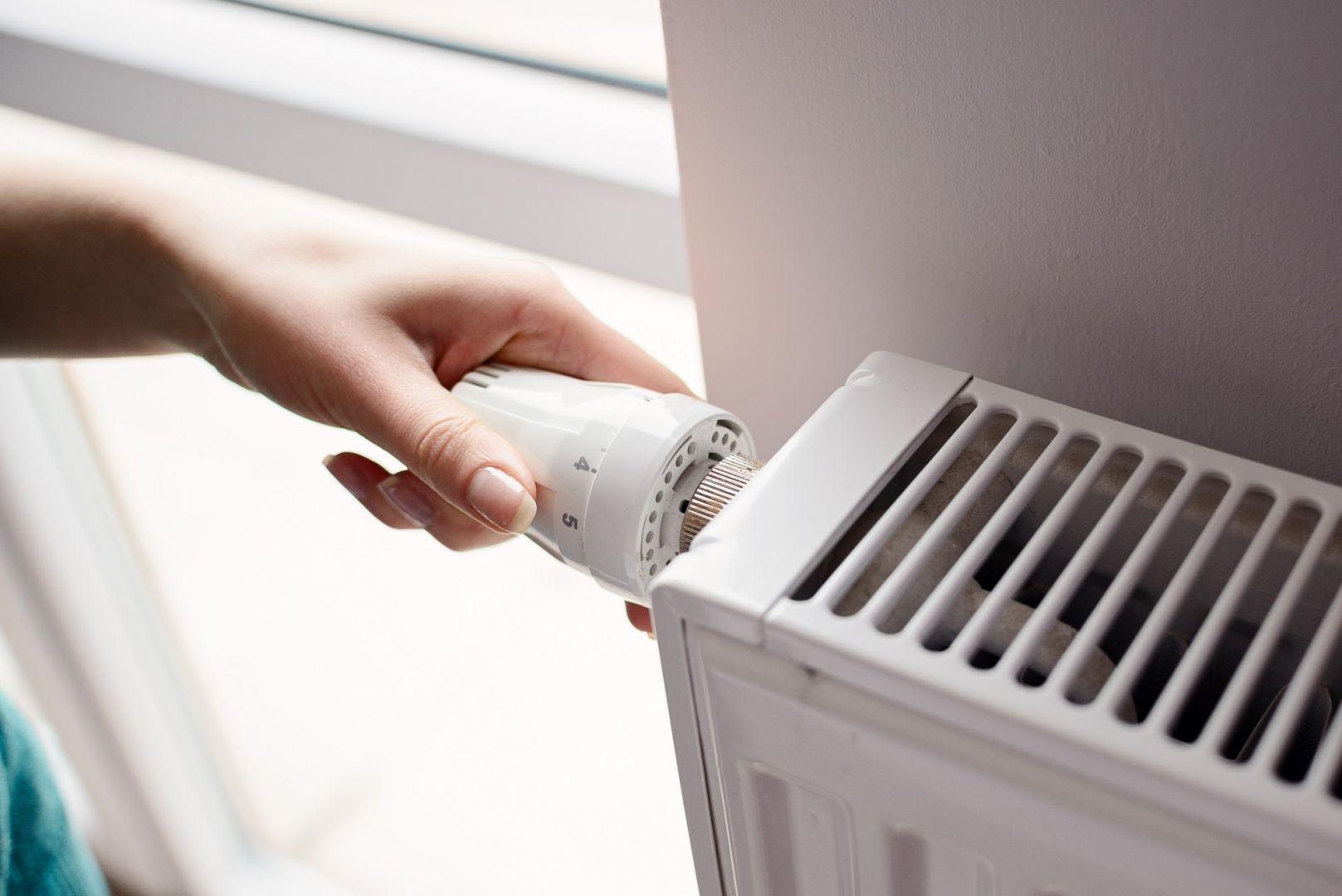 Pompa ciepła jest bardzo ekonomiczna w porównaniu z tradycyjnymi systemami grzewczymi. Fot. AdobeStock / Foton Technik