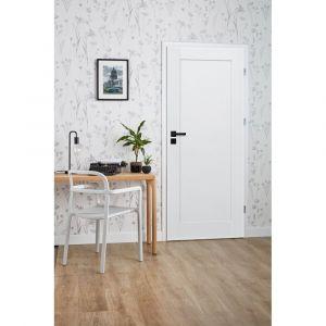 Drzwi pełne z kolekcji Fado w białym kolorze. Dostępne w sklepie Castorama. Cena: 418 zł. Fot. Castorama