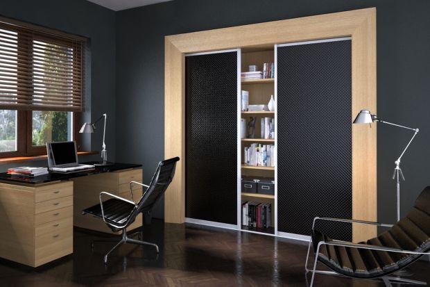 Jak urządzić miejsce do pracy w domu? W której części domu urządzić miejsce do pracy? Jak uczynić gabinet bardziej reprezentacyjną przestrzenią? Zobacz sprawdzone sposoby na urządzenie domowego biura. domowe biuro.