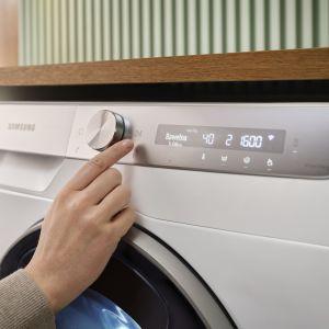 Dzięki programowi Quick Drive w pralce wypierzesz i odwirujesz ubrania w 39 minut, a Program Super Szybki w suszarce umożliwi wysuszenie wsadu bawełny i syntetyków w 81 minut. Fot. Samsung