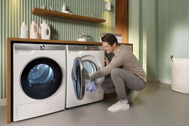 Suszarka stworzy z pralką zgrany duet,który zrewolucjonizuje domową przestrzeń. Co dokładnie możemy zyskać wybierając taki zestaw? Sprawdź!