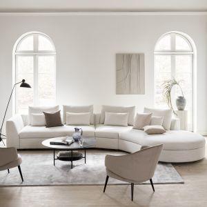 Sofę Bergamo cechują proste, minimalistyczne linie, które dopieszczają jej stylowy design. Fot. BoConcept