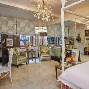 Kolorowy apartament amerykańskiej artystki i dziedziczki fortuny, Glorii Vanderbilt. Zdjęcia: Anastassios Mentis / Brown Harris Stevens. Źródło: Top Ten Real Estates Deals