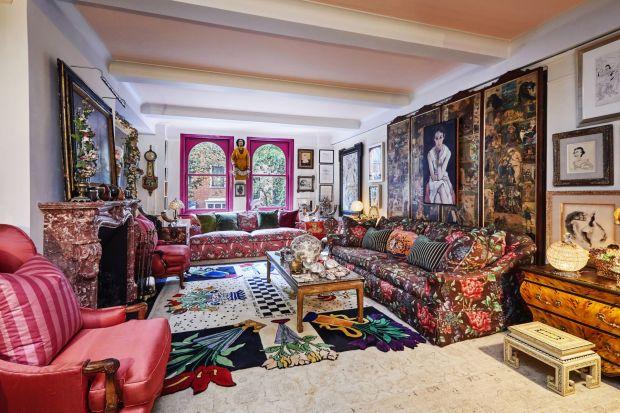 Gloria Vanderbilt była amerykańską artystką, aktorką i twórczynią pierwszych ekskluzywnych dżinsów. 95-letnia bywalczyni salonów zmarła w 2019 roku. Zaglądamy do jej niesamowitego, pełnego kolorów apartamentu w serce Manhattanu.
