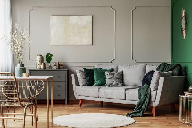 Na jaki kolor pomalować ściany w salonie? A tę u wezgłowia łóżka w sypialni? A jaki odcień sprawdzi się w kuchni? Kolorów we wnętrzach nie powinniśmy wybierać, kierując się jedynie naszymi upodobaniami, czy tymczasowymi trendami.