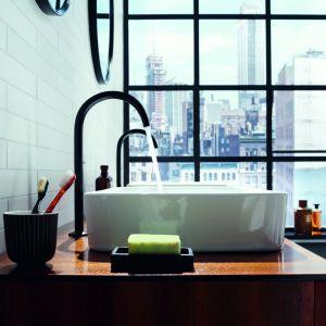 Kolekcja Axor One oferuje 31 produktów, w tym baterie jedno-, dwu- i trzyotworowe, baterie ścienne, stojącą baterię wannową z główką prysznicową oraz moduł termostatyczny. Fot. mat. prasowe Axor