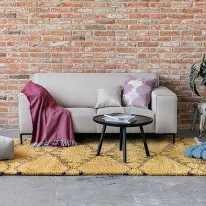 Dobre gatunkowo syntetyczne dywany do złudzenia przypominają wyglądem wełnę. Fot. Bonami