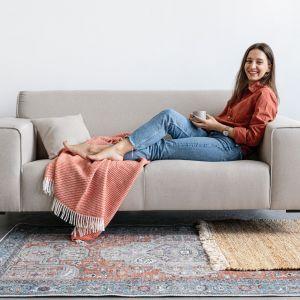 Dywany wełniane – choć bardzo eleganckie i wytrzymałe – nie są rekomendowane alergikom. Fot. Bonami