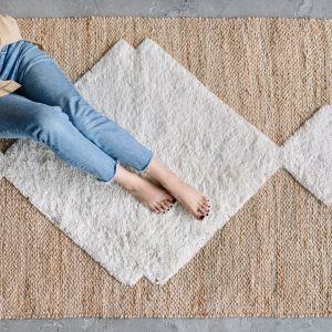 Generalnie, im większa jest gęstość dywanu, tym jest on lepszy i bardziej wytrzymały. Fot. Bonami