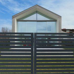 Budowa ogrodzenia może wymagać wykonania w określonych przypadkach czynności urzędowych. Fot. Fortlook