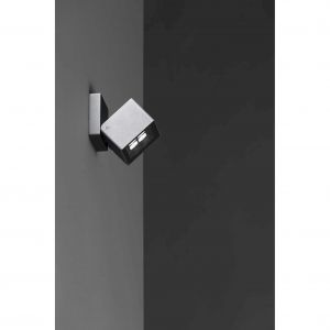 Reflektory Kuboid mogą być montowana na ścinie, na suficie, na podłodze oraz bezpośrednio w gruncie. Fot. [LND]