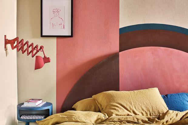 Wraz z nadejściem jesieni na nowo odkrywamy przyjemność otulenia się ciepłymi pledami oraz miękkimi poduchami w zaciszu własnej sypialni. Annie Sloan podpowiada, jak za pomocą abstrakcyjnych wzorów i głębokich barw sprawić, by nasz domowy azyl