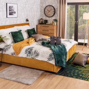 """Poza decydowaniem się na bardziej odważne kolory i wzory, na popularności zyskują także dywany typu shaggy oraz tzw. """"futrzaki"""". Fot. Salony Agata"""
