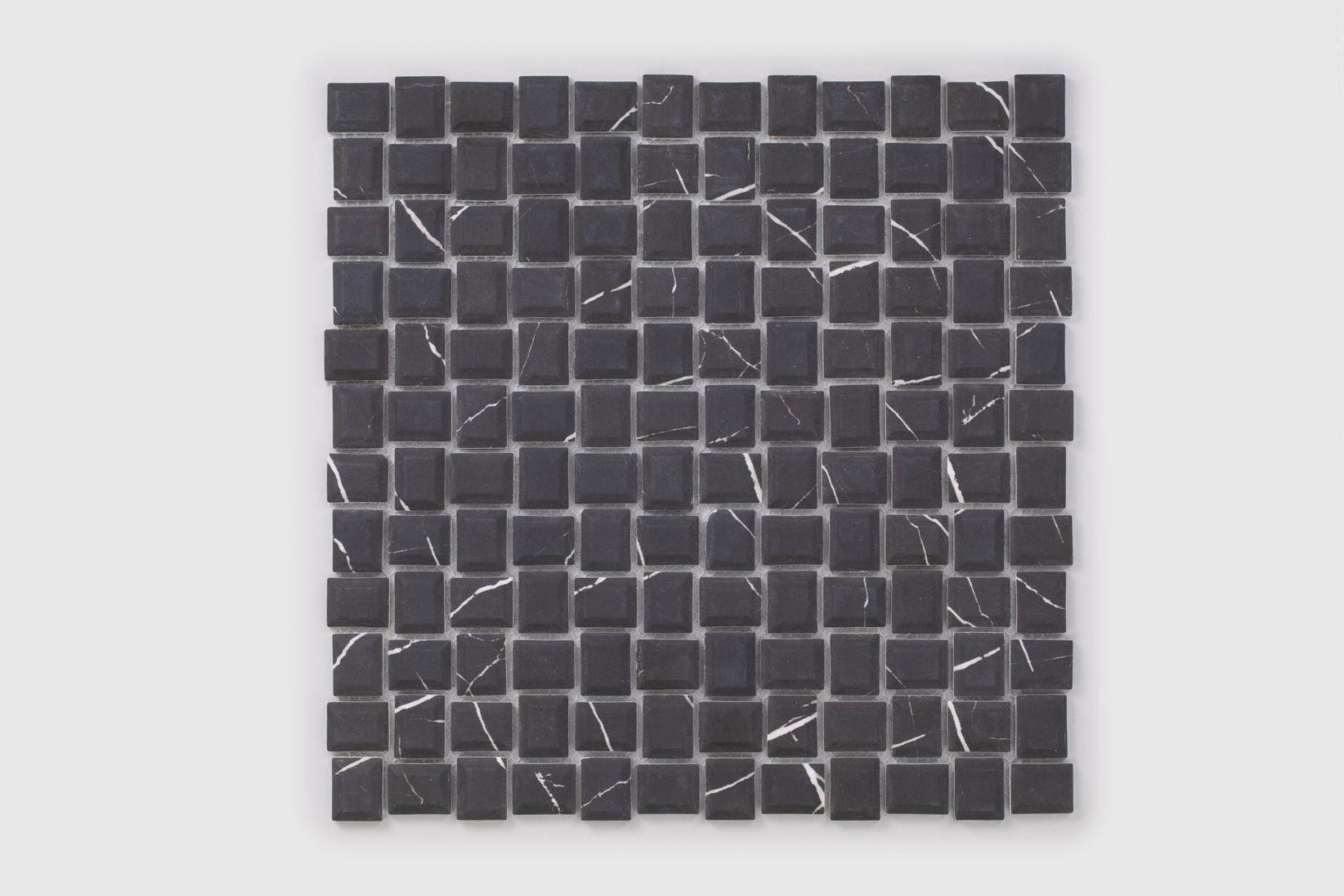 Płytki szklane z kolekcji Cube Marble. Fot. Raw Decor