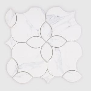 Płytki szklane z kolekcji Lotus Marble. Fot. Raw Decor