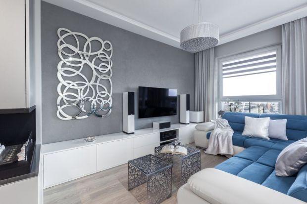 Jak urządzić szary salon? Z czym połączyć szare ściany? Z jakimi kolorami zestawić szarą kanapę? Mamy dla ciebie kilka fajnych pomysłów. Zobacz jak efektownie urządzić szary salon.