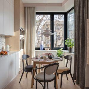 Jednym z najpopularniejszych wzorów w kuchni jest teraz lastryko. Projekt: Modeko.Studio. Zdjęcia Marcin Grabowiecki. Stylizacja Anna Tyślerowicz