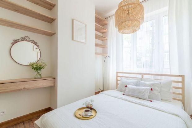 Jak urządzić małą sypialnię? Jakie kolory wybrać do małej sypialni?Jakie meblebędę najlepsze?Jakie łóżko się sprawdzi? Zobacz projekty, pomysły i inspiracje na aranżację małej sypialni z polskich domów.<br /><br />