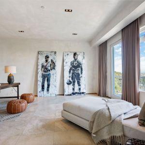 Mieszkanie Kanyego Westa, w którym słynny piosenkarz mieszkał 15 lat, zanim związał się z Kim Kardashian. Źródło: Top Ten Real Estate Deals. Zdjęcia: Jack Spitser