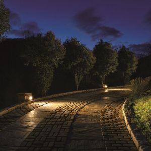 Głównym współczynnikiem, który określa wytrzymałość lamp zewnętrznych, jest International Protection Rating – czyli IP. Fot. LND