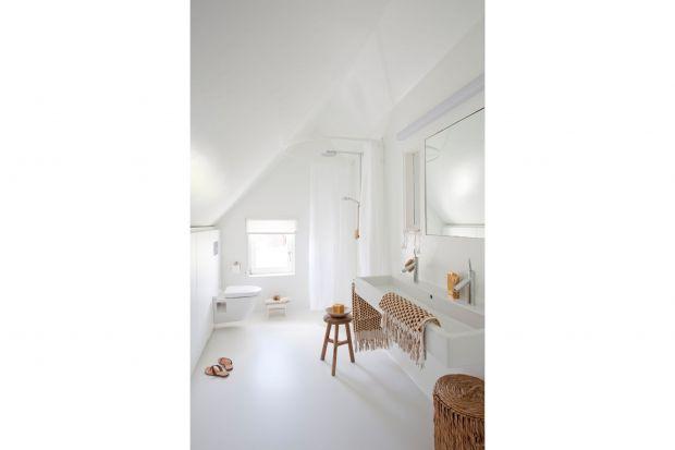 Kolor biały to doskonały wybór do każdej łazienki i o każdym metrażu. Nada wnętrzu spokoju, czystości i lekkość. Nowy trendem wśród wnętrzarskich niuansów jest odcień złamanej bieli.<br /><br /><br />