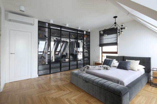 Odpowiednie zaplanowanie garderoby pozwoli na piękne i funkcjonalne przechowywanie, bez względu na metraż mieszkanie.Jak zatem zaprojektować garderobę,niekoniecznie w osobnym pomieszczeniu? Skorzystaj z dobrych porad eksperta.