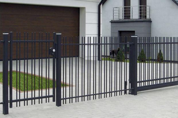 Kupując ogrodzenie domu koniecznie sprawdź gwarancję. Jest ona tak samo ważna, jak funkcjonalność, estetyka i cena produktu.<br /><br /><br />
