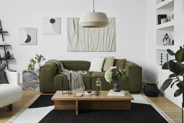 Miękki, prążkowany materiał zdobi teraz sofy, krzesła, poduszki i różne akcesoria domowe. Już w latach 70. i 80. sztruks był bardzo popularny. W tym sezonie świętuje swój wielki powrót do wnętr.